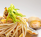 Sea weeds spaghetti noodles with clams and  Ponti Lemon Flavoured White Wine Vinegar