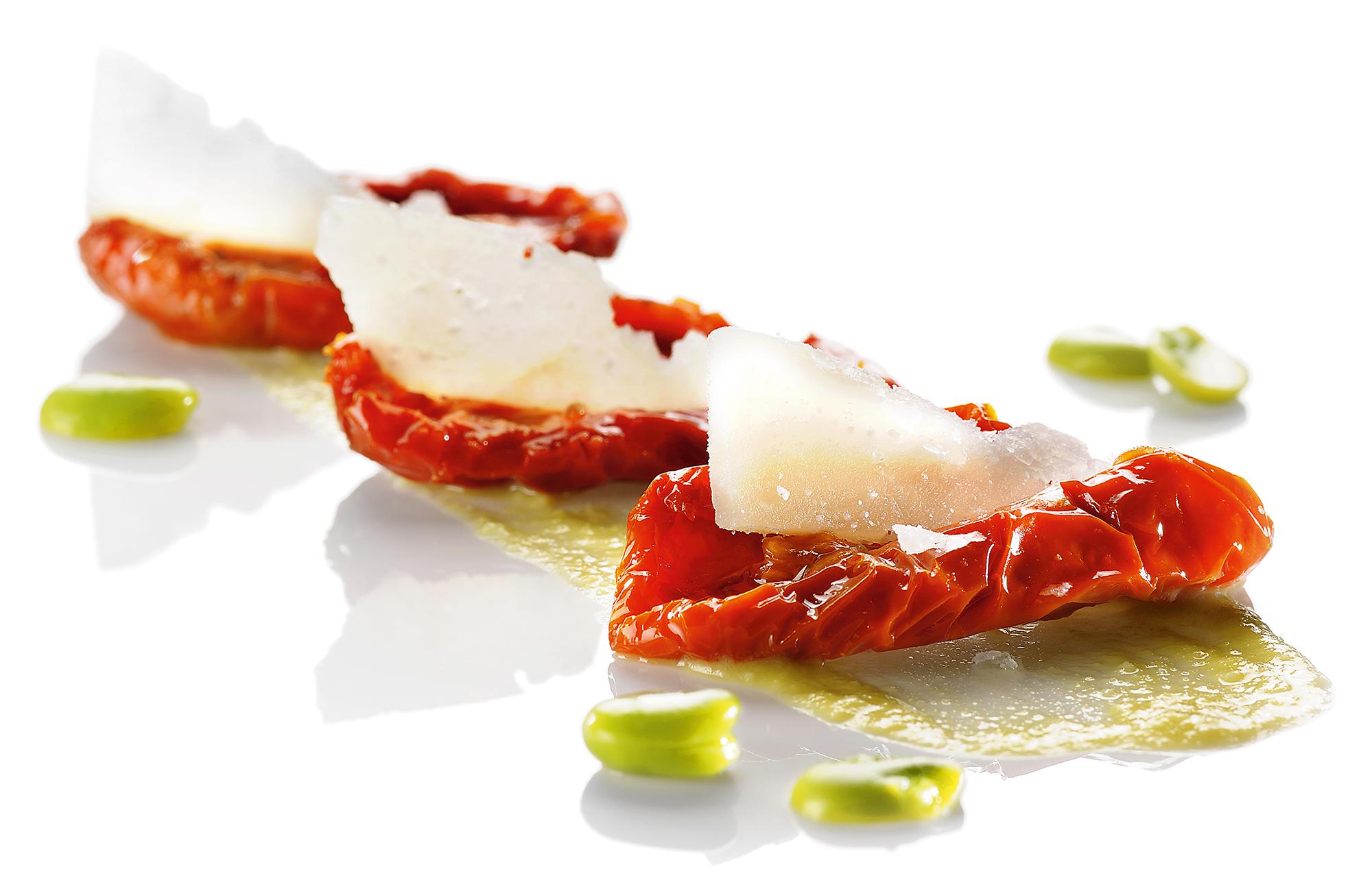 Pomodori Essiccati ai Profumi dell'Orto Zero Olio con pecorino e crema di fave