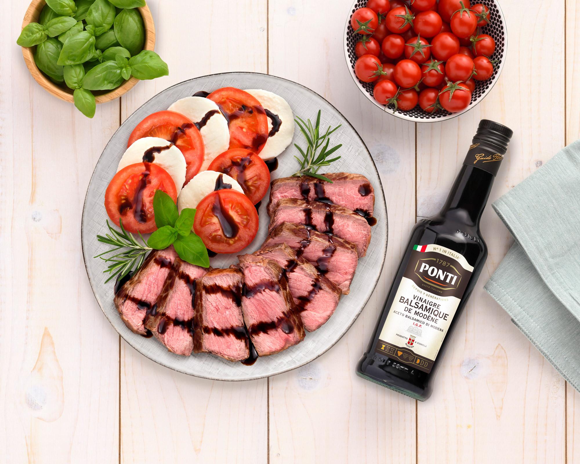 Assiette italienne : tagliata de bœuf et salade caprese - Ponti
