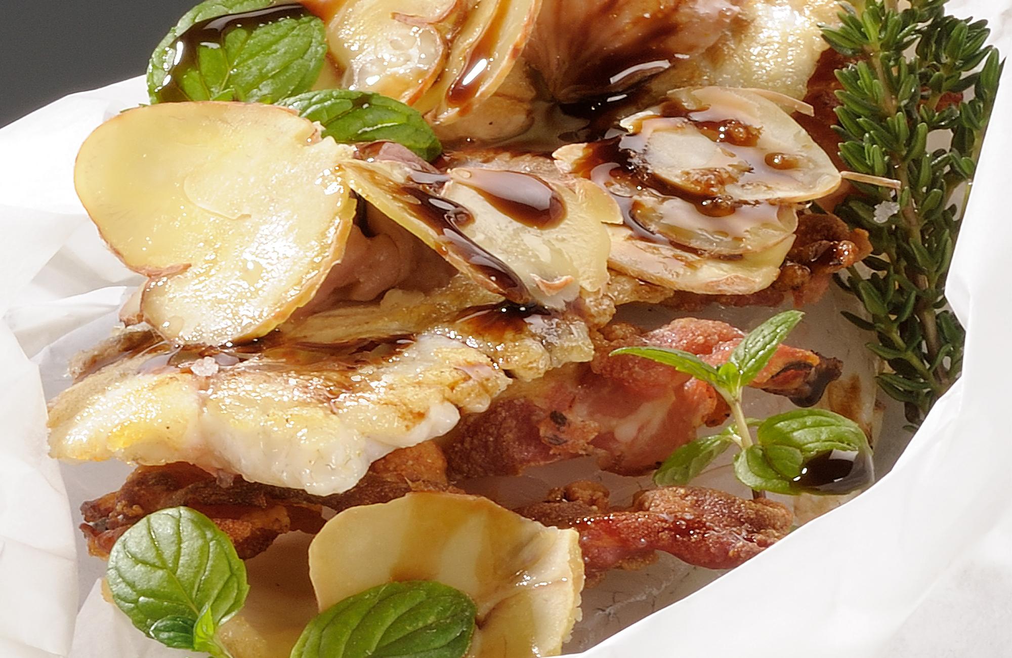 Cartoccio di branzino con castagne e prosciutto crudo all'Aceto Balsamico di Modena IGP Ponti