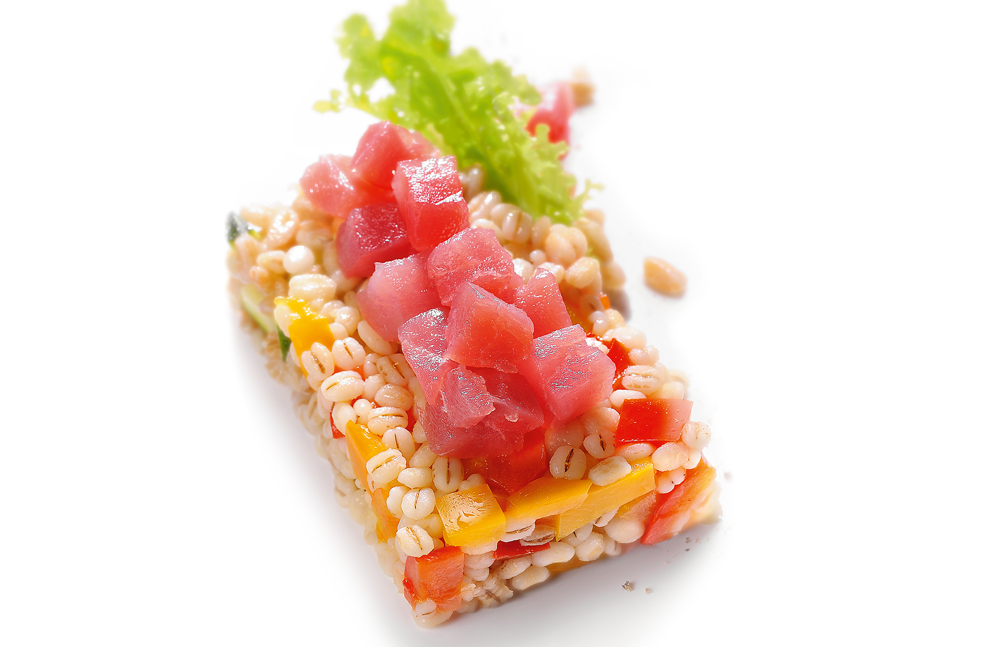 Spelt and barley salad with Peperlizia Sweet & Sour Peppers and tuna tartare - Ponti