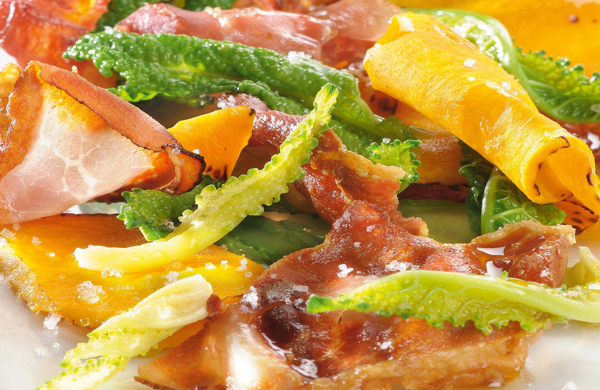 Insalata di cavolo nero con zucca e bacon all'Aceto di Vino Aroma Antico Bianco Ponti