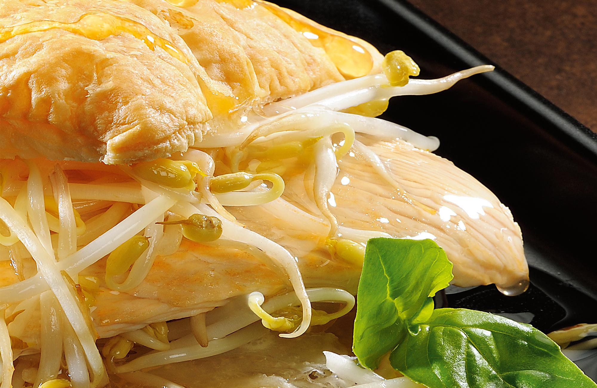 Millefoglie di petto di tacchino con germogli di soia e Glassa Gastronomica Ponti al Mosto di Uve di Moscato
