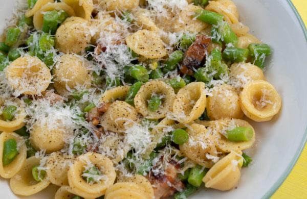 Pasta primaverile con fagiolini, pancetta e DolceAgro Condimento Delicato Ponti - Ponti