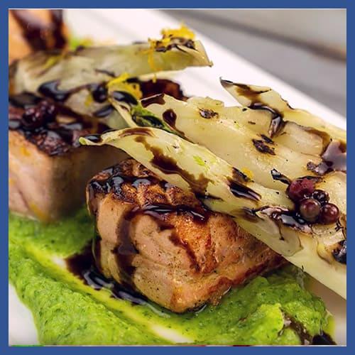 Salmone marinato all'arancia e pepe rosa con crema di zucchine, finocchi grigliati e Glassa Gastronomica Ponti all'Aceto Balsamico di Modena IGP