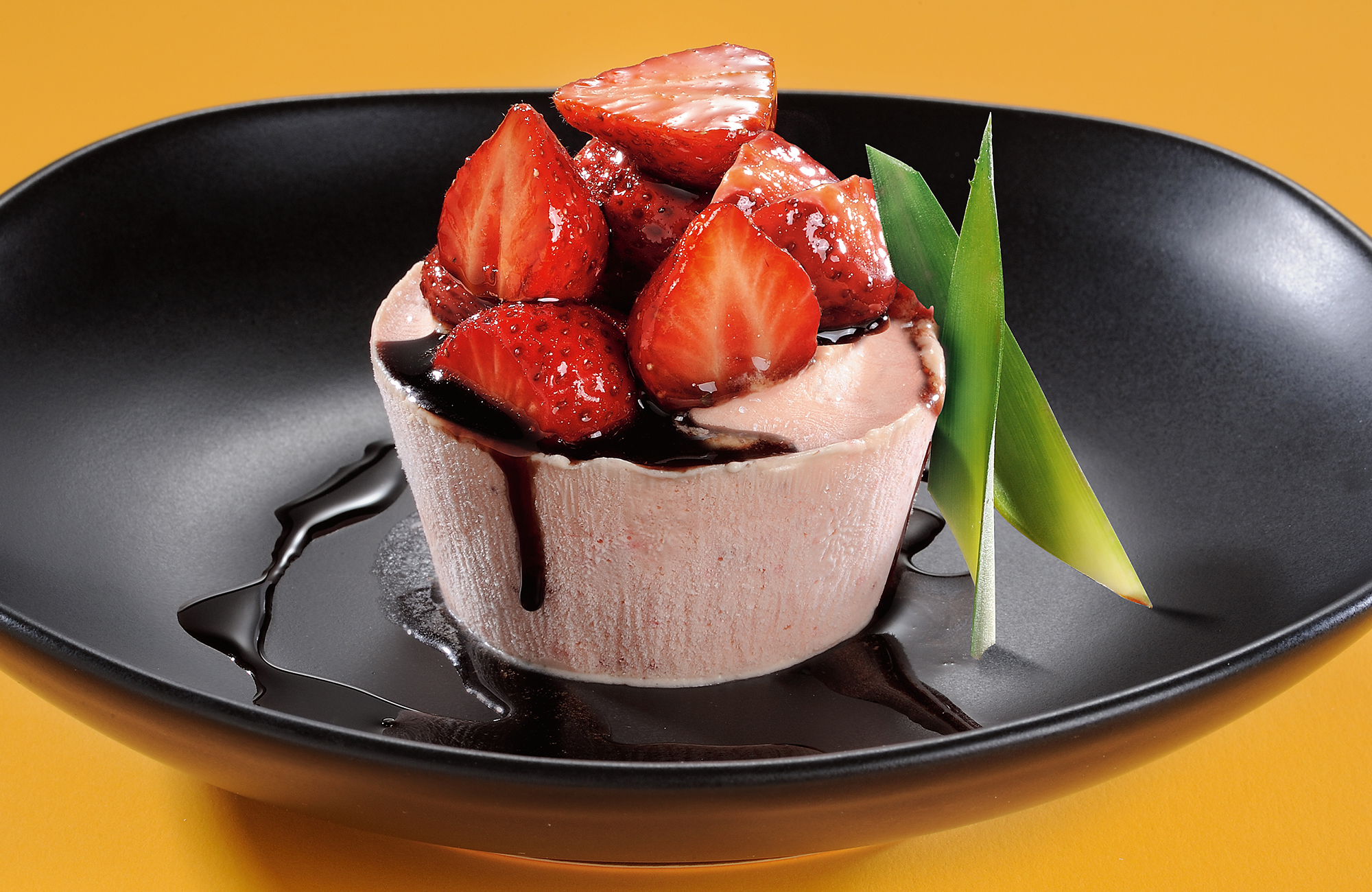 Strawberry semifreddo with Ponti Balsamic Vinegar of Modena P.G.I. Aged 3 years - Ponti