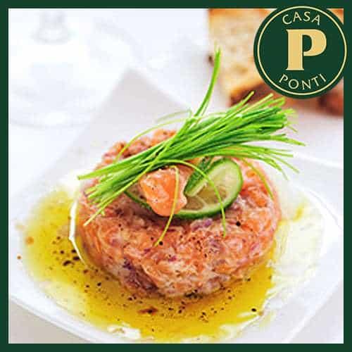 Tartare di salmone marinato allo stufato amalfitano con catalana all'Aceto Balsamico di Modena IGP Ponti, asparagi al naturale e uova di quaglia