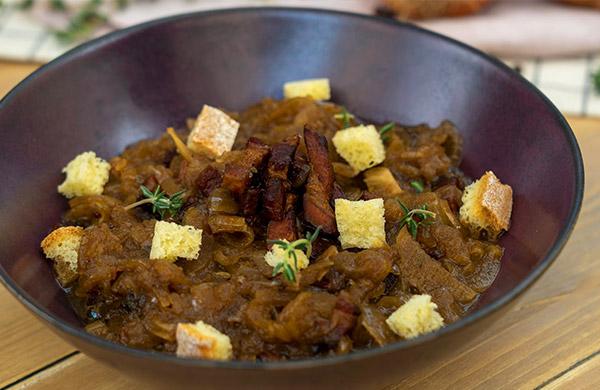 Zuppa di cipolle e pancetta all'aceto balsamico - Ponti